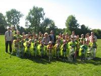 Children at a Love Where You Live litter pick